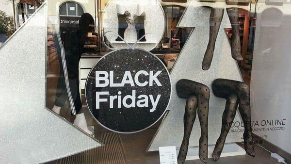Ad Avellino tantissimi sconti per il Black Friday: ecco quando