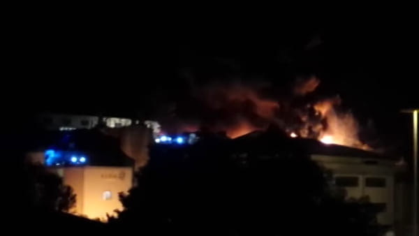 Il video del terribile incendio di Atripalda