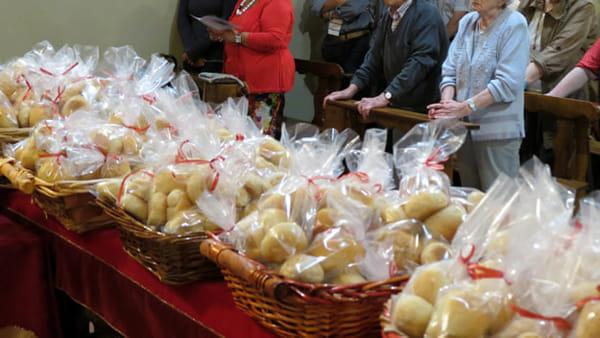 A Summonte la tradizionale distribuzione delle pagnotte di San Nicola