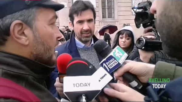Salvini ad Avellino, le immagini della protesta