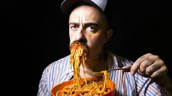 Chef Rubio fa tappa a Calitri per la 'Grande cingolata'