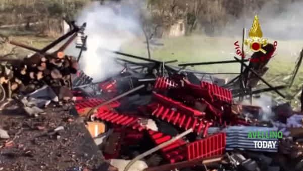 Esplosione a Gesualdo: le immagini dal luogo della tragedia