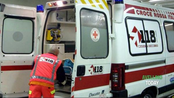 Brutto incidente in Città: auto sbanda e si ribalta