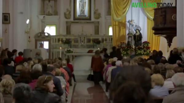 Migliaia di fedeli in preghiera per l'omaggio a Santa Rita
